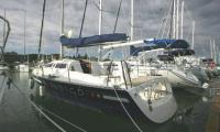 nautic330s.jpg hajóbérlés